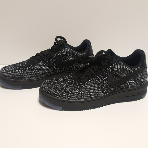 super popular 7e3cb 378d2 Nike Air Force 1 AF1 Flyknit Low Women's Oreo